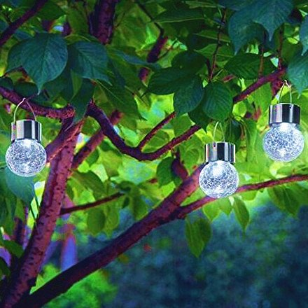Best rated outdoor solar powered garden lights 2017 top for Outdoor decorating with solar lights