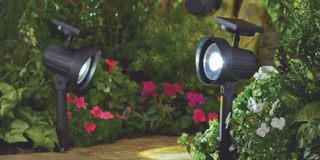 Best rated outdoor solar powered spot lights 2017 top for Top rated landscape lighting